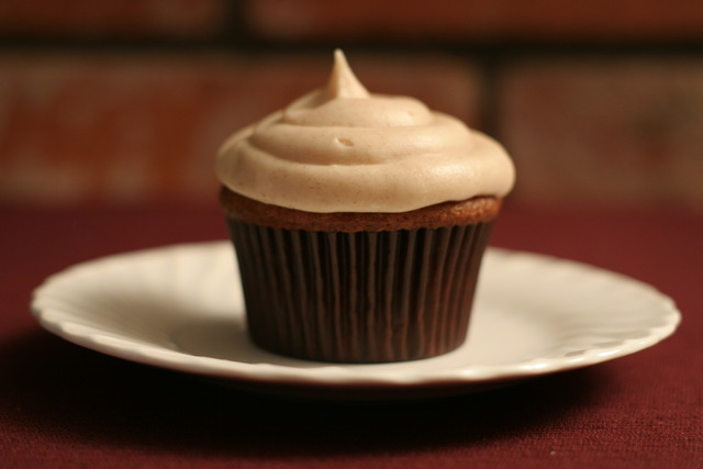 Apple Butter Cupcake with Cinnamon Cream Cheese Frosting